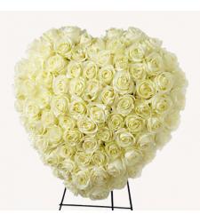 Send Heavenly Roses Heart Wreath To Cebu