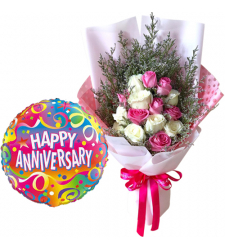 15 Mixed Roses Bouquet with Anniversary Balloon