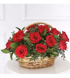 12 Rose with Seasonal Flower in Basket