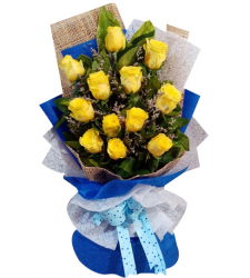 12 Bright Yellow Roses in Bouquet