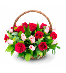 12 Red and Pink Roses in Basket