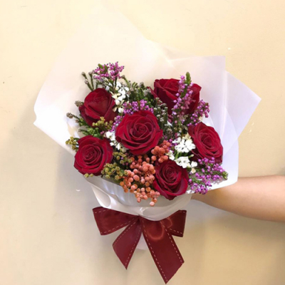 send 6 stems red color roses in bouquet to cebu