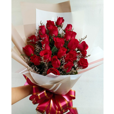 send 2 dozen red color roses in bouquet to Cebu