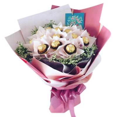 16 Ferrero Rocher Chocolate in Bouquet